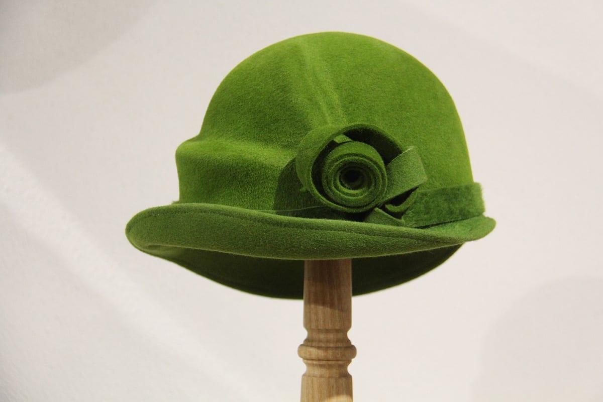 Chambre Chocolat Et Vert Anis chapeau femme feutre velours vert anis