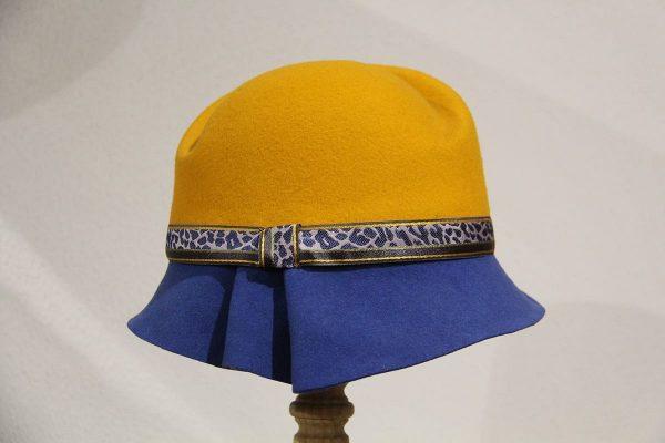 Chapeau femme feutre mérinos jaune moutarde et bleu roi