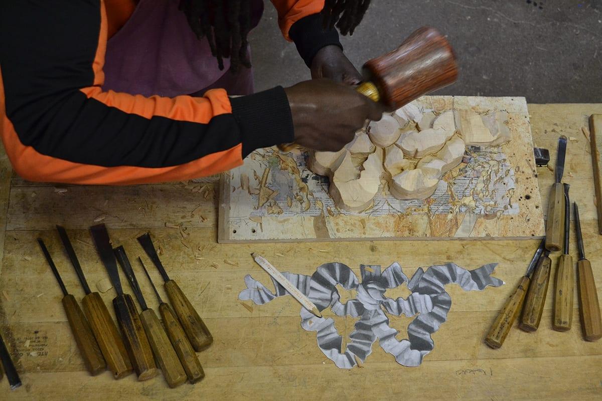 Sculpture sur bois - élèves cours